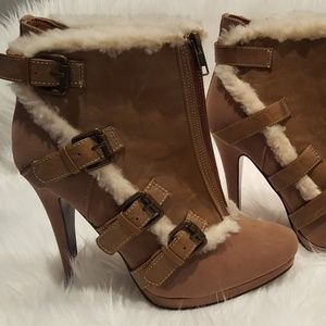 """BRAND NEW """"Boots with the Fur"""""""